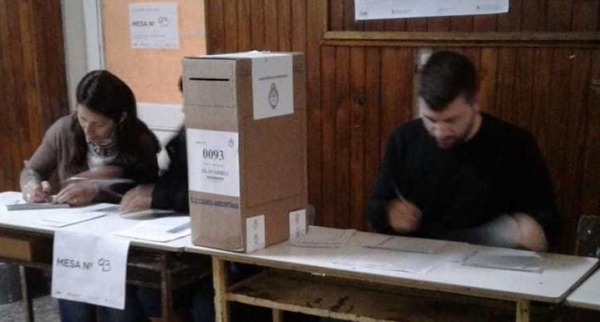 Elecciones: la Junta Electoral comenzará con la apertura de urnas para dirimir algunos distritos