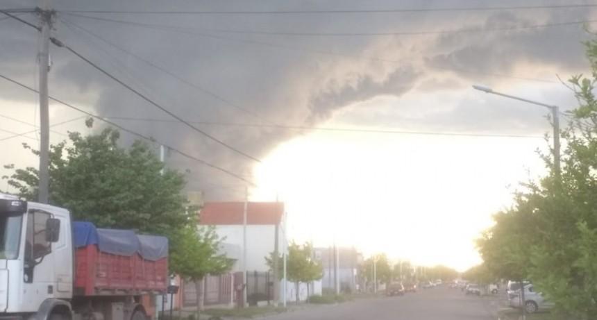 'Nubes pared' y a acostumbrarnos a tormentas tropicales