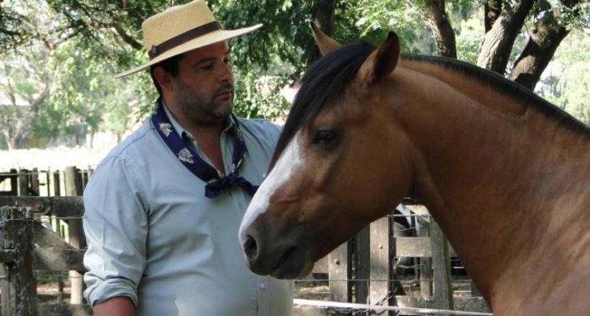 Cabaña La Perdida con el campeón macho criollo en Expo Laprida