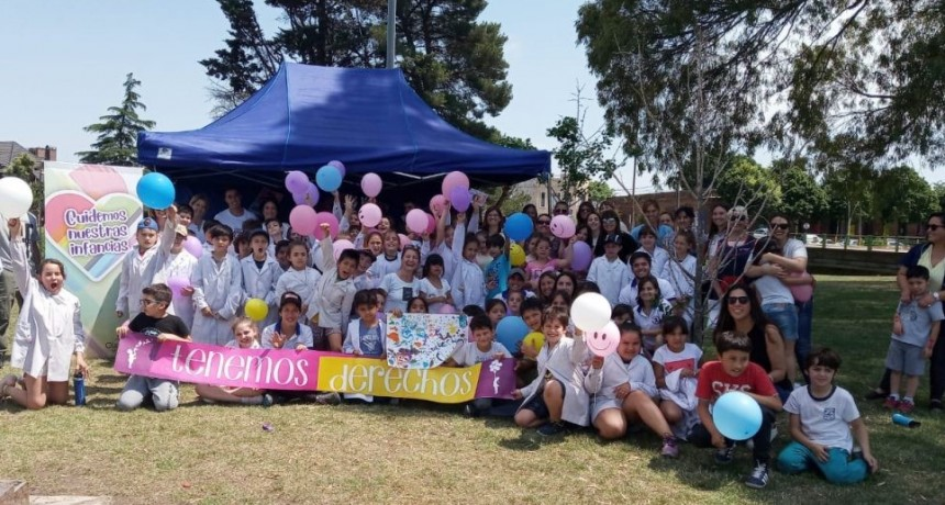 El Parque Mitre se llenó de color y alegría para celebrar los derechos de las infancias