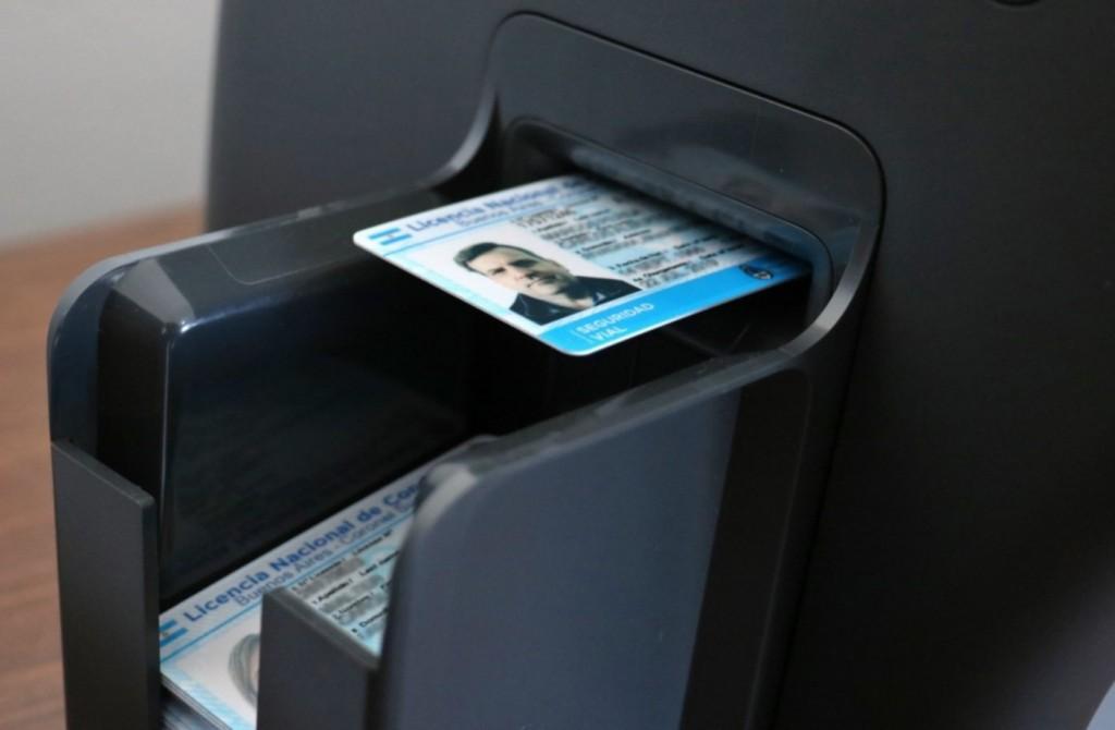 Las licencias de conducir se imprimen en tres días