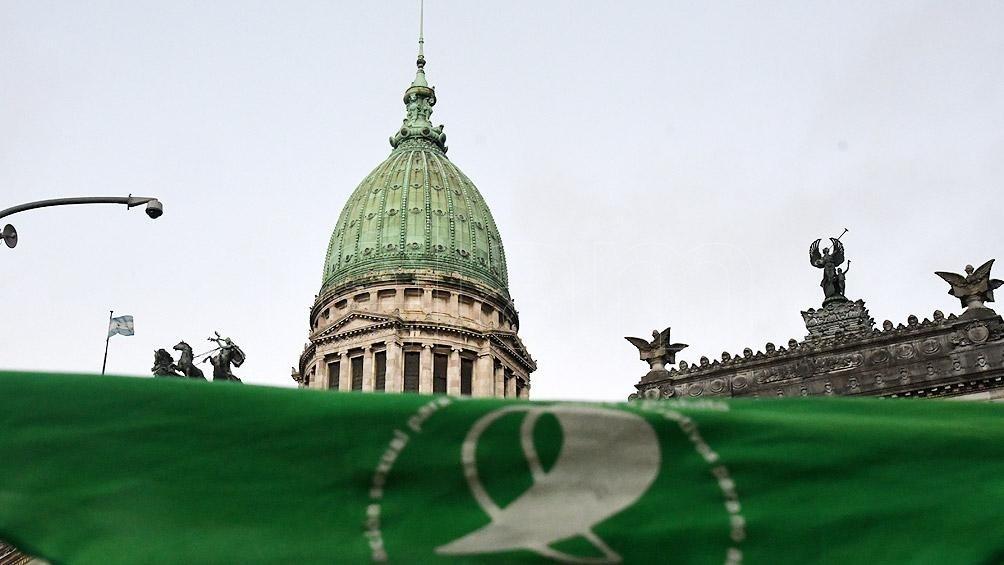 Alberto Fernández envió al Congreso el proyecto de legalización del aborto y el plan de los 1000 días