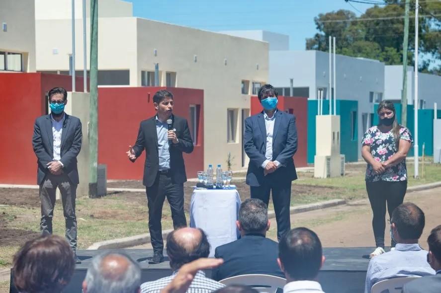 Gobernador y Ministros entregaron viviendas en la región