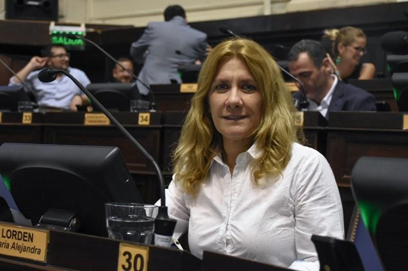 Se convierten en Ley, proyectos de Lordén que reconocen a de Santibánez y Alfonsín