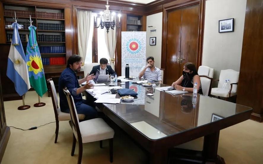 Kicillof se reunió con intendentes por el DSPO