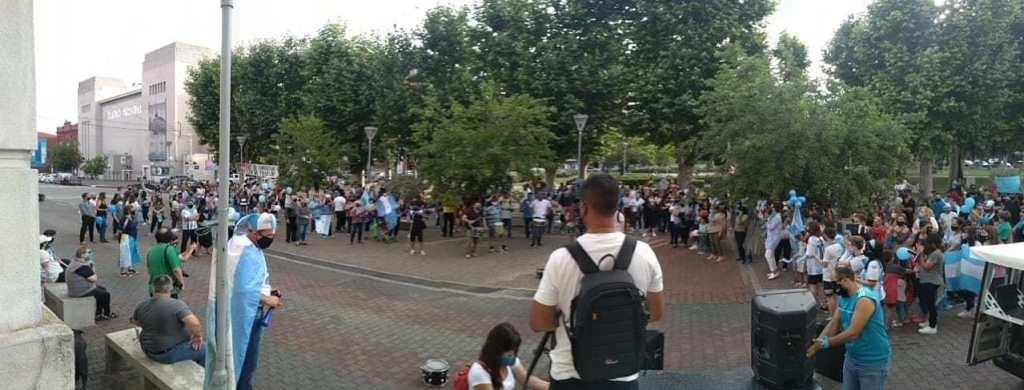 Decenas de olavarrienses se manifestaron en contra del aborto