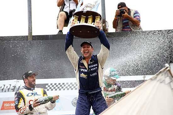 Pezzuchi se quedó con el TC Pista y Olavarría recibió al campeón