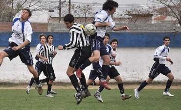 Fútbol de 1ra. local entre domingo y lunes