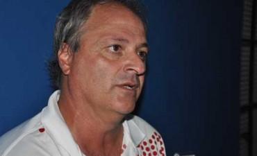 Fútbol:Renunció De la Vega