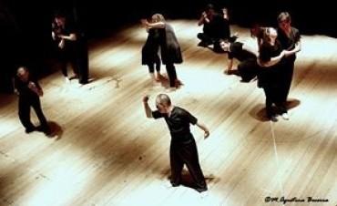 El elenco de danza del Programa Municipal de Educación Artística Integrada se presentó en el Teatro Español de Azul