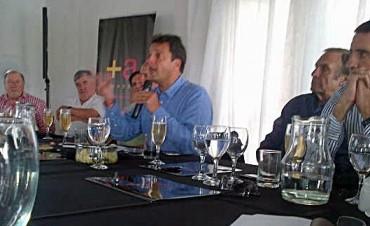 Massa presentó su Mesa Nacional