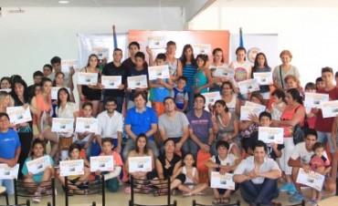 Se entregaron 70 becas del Programa Envión