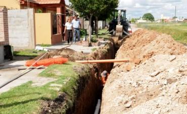 Comenzó la obra de cloacas y pavimento en el barrio UOCRA