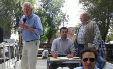Remate ayer, en Olavarría Alfredo Mondino junto a Ezequiel Hourcade