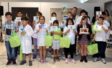 Azul: entrega de los premios del concurso 'Soy Quijote'