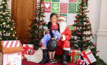 Papá Noel llegó a la Municipalidad y se queda hasta el viernes