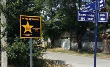 Estrellas Amarillas: colocan nuevos carteles para recordar a las víctimas de tránsito