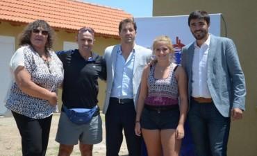 Galli y Van Tooren entregaron viviendas a ocho familias