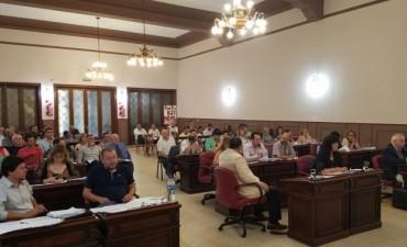 Los concejales tratan un proyecto alternativo de suba de Tasas
