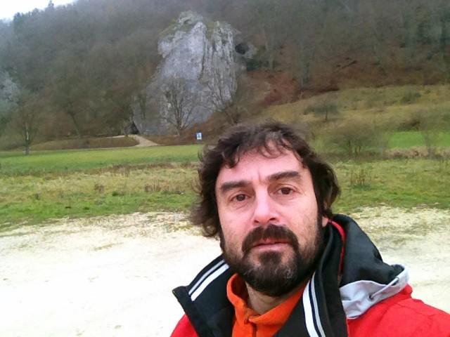 Arqueólogo de la FACSO realiza actividades de investigación en Alemania