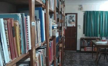 Feria navideña en la biblioteca Crucero General Belgrano