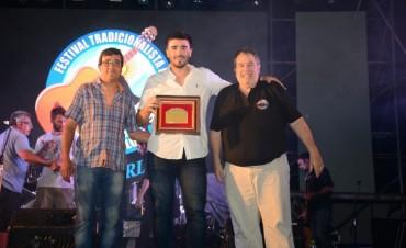 """El Intendente fue reconocido en el escenario """"Horacio Guarany"""""""