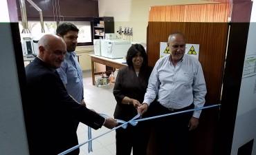 En Ingeniería, inauguraron el primer laboratorio de servicios químicos y medioambientales