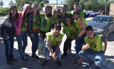 """""""Recalde Recicla"""": los jóvenes como promotores de un ambiente sustentable"""