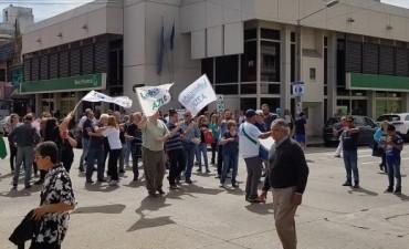 Protestaron los empleados del Banco Provincia