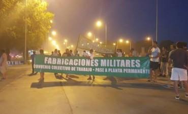 Alarma en Azul por el posible cierre de la fábrica de pólvora