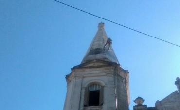 Tras casi 20 años, limpian el frente de la Iglesia San José