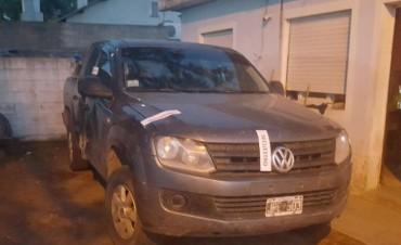 Secuestran una Amarok robada en el gran Buenos Aires
