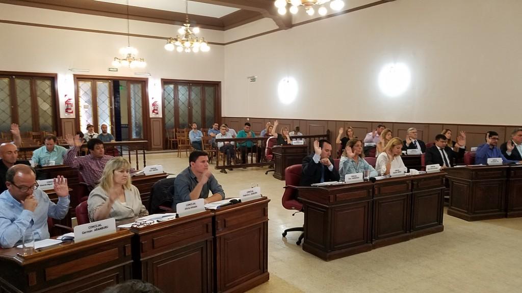 Concejales aprobaron el nuevo Estacionamiento Medido y los proyectos de Transporte Público