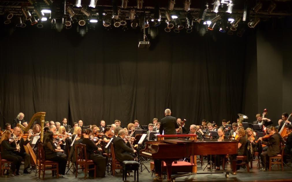 La Sinfónica y Huella Pampa en el último concierto del año de 'Clásica y Solidaria'