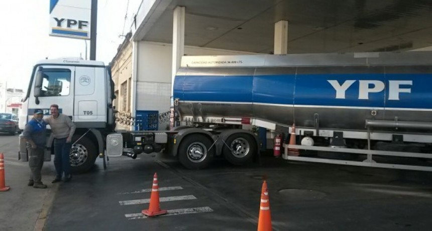 YPF bajó la nafta y subió el diesel