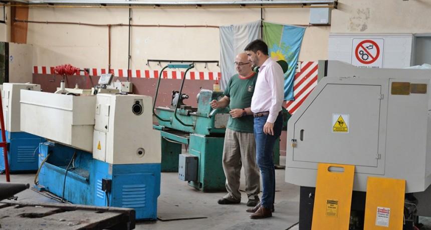 El intendente Galli visitó la Escuela Técnica N º 2