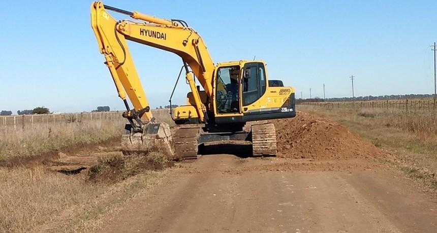 Equipamiento vial para el mantenimiento de Caminos Rurales