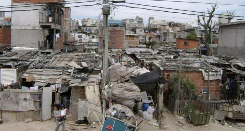 Pobreza y desigualdad estructural: 'uno de los factores que está detrás, es el mercado de trabajo'