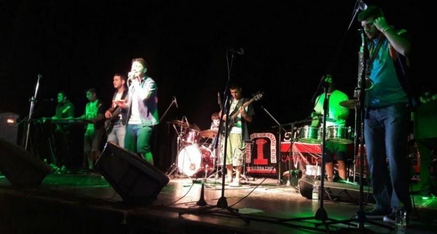 Batucada, zumba y música en una nueva edición de la Fiesta del Granito Rojo