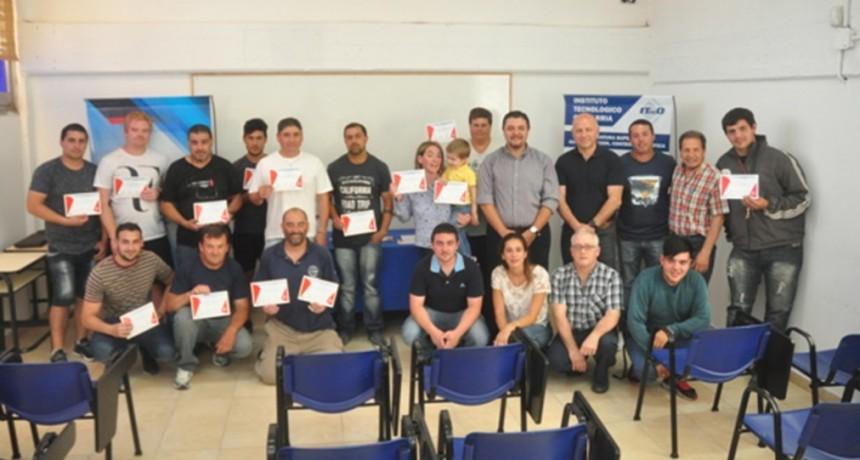 Programa de Capacitación Minera: entrega de certificados