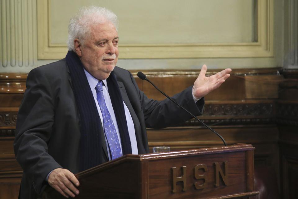 """Ginés González García presentó el nuevo protocolo del aborto no punible: """"Estamos dando un instrumento sanitario para que se cumpla la ley"""""""