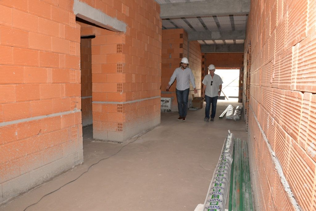 El intendente Galli recorrió la obra de ampliación del Hospital