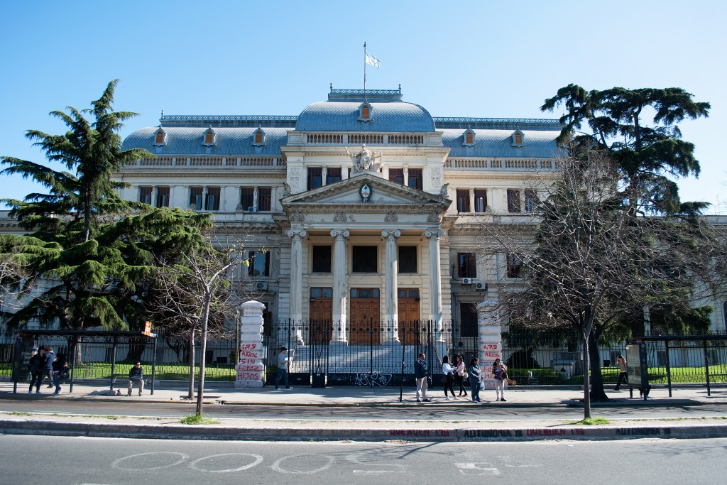Continúan negociando por la Ley Fiscal Impositiva provincial