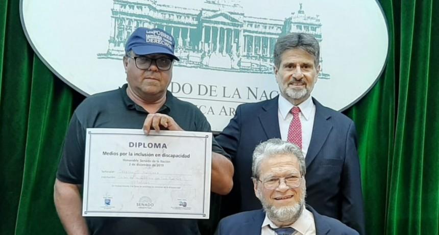 Distinguieron en el Senado al trabajador olavarriense que se encadenó a la Casa Rosada y al Tribunal del Trabajo