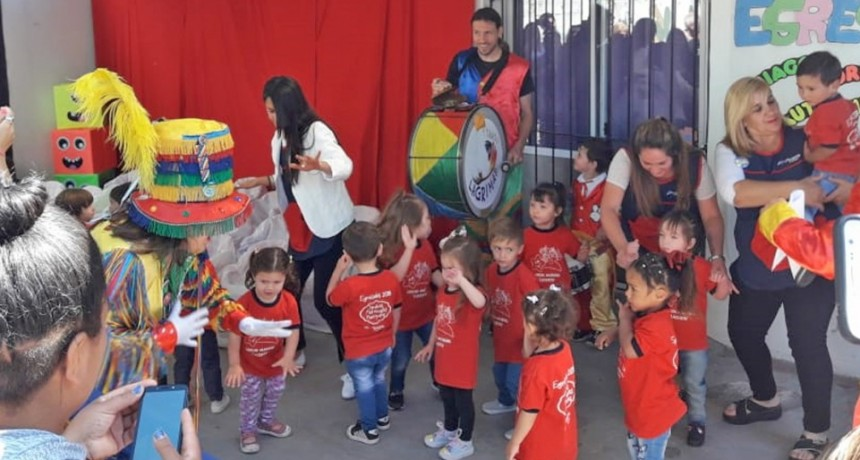 Cerca de 300 niños egresaron de los Jardines Municipales