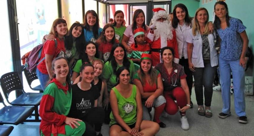 El Servicio de Pediatría del Hospital Municipal recibió a Papá Noel