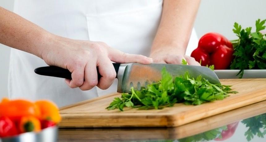 Consejos útiles para celebrar las Fiestas con alimentos seguros y saludables