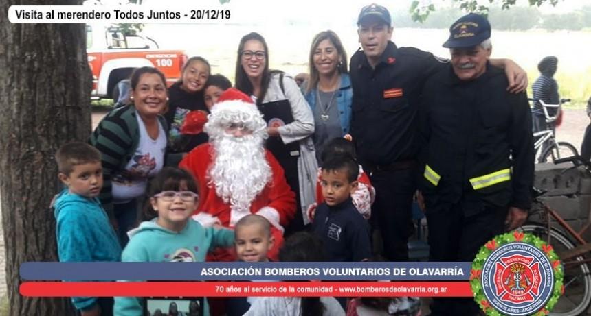 Bomberos entregó lo recaudado en las fotos de Papá Noel a diversas instituciones
