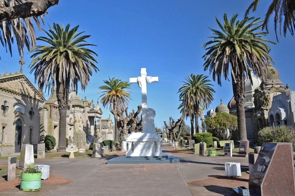 El Cementerio Municipal vuelve a abrir los domingos y feriados