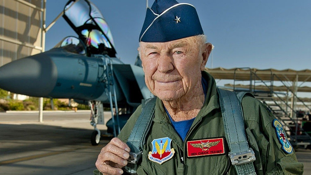 Murió el piloto estadounidense Chuck Yeager, el primero en romper la barrera del sonido
